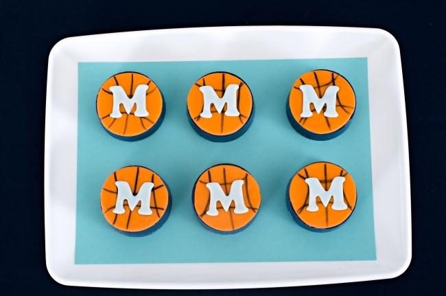 boys-basketball-party-oreo-cookies