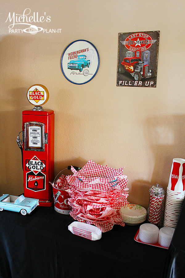 A Fabulous 50s Diner Inspired Father's Day Party | Hoopla ...