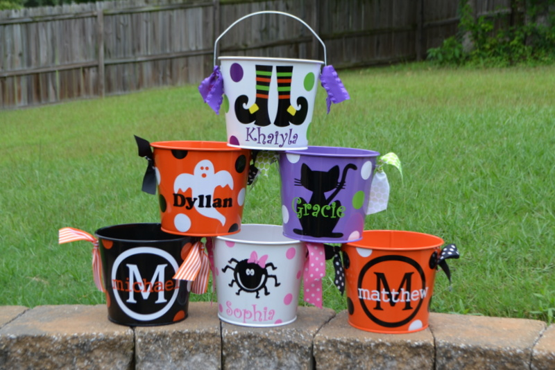 Halloween favor buckets