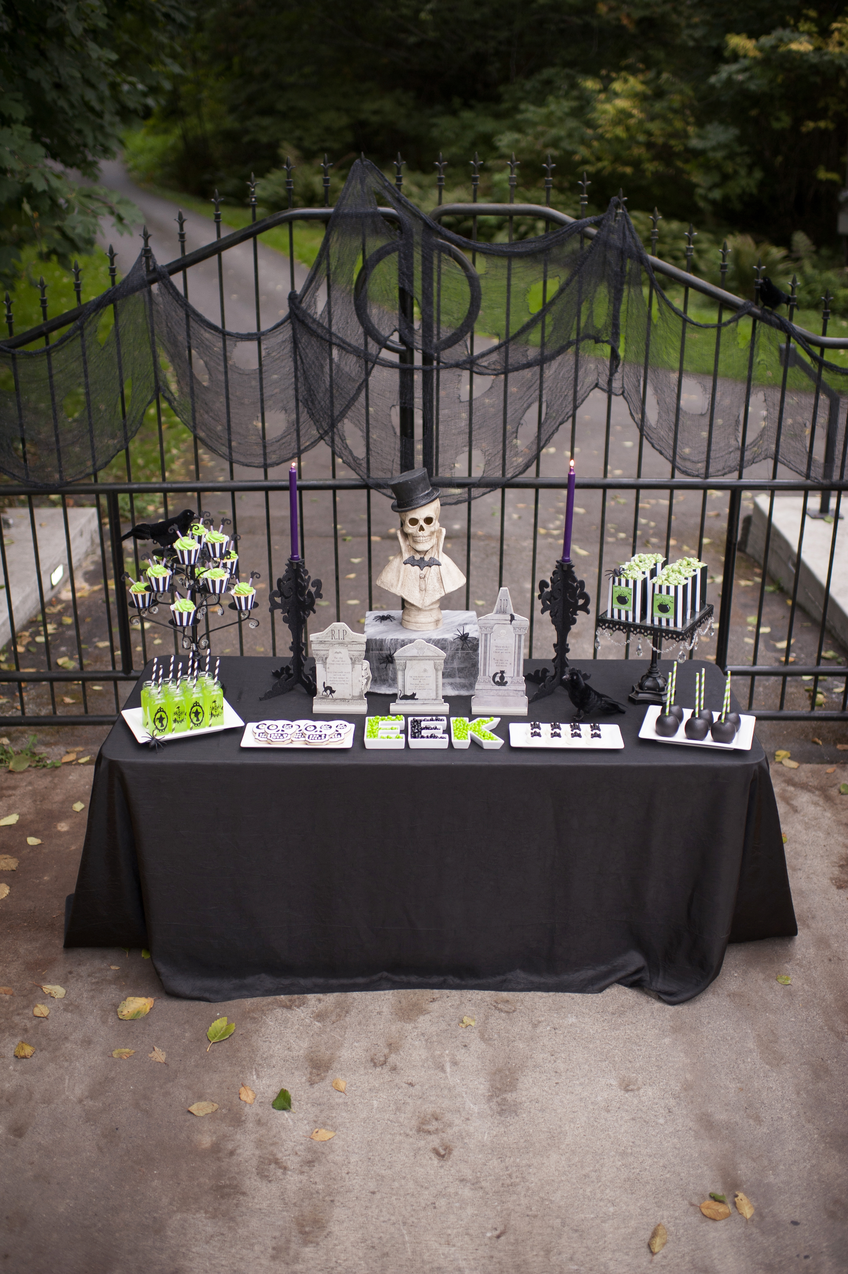 planning a spooktacular halloween party in 5 easy steps hoopla