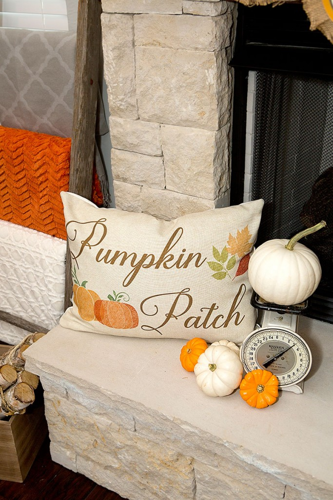 1-Pumpkin-Fall-Mantel-