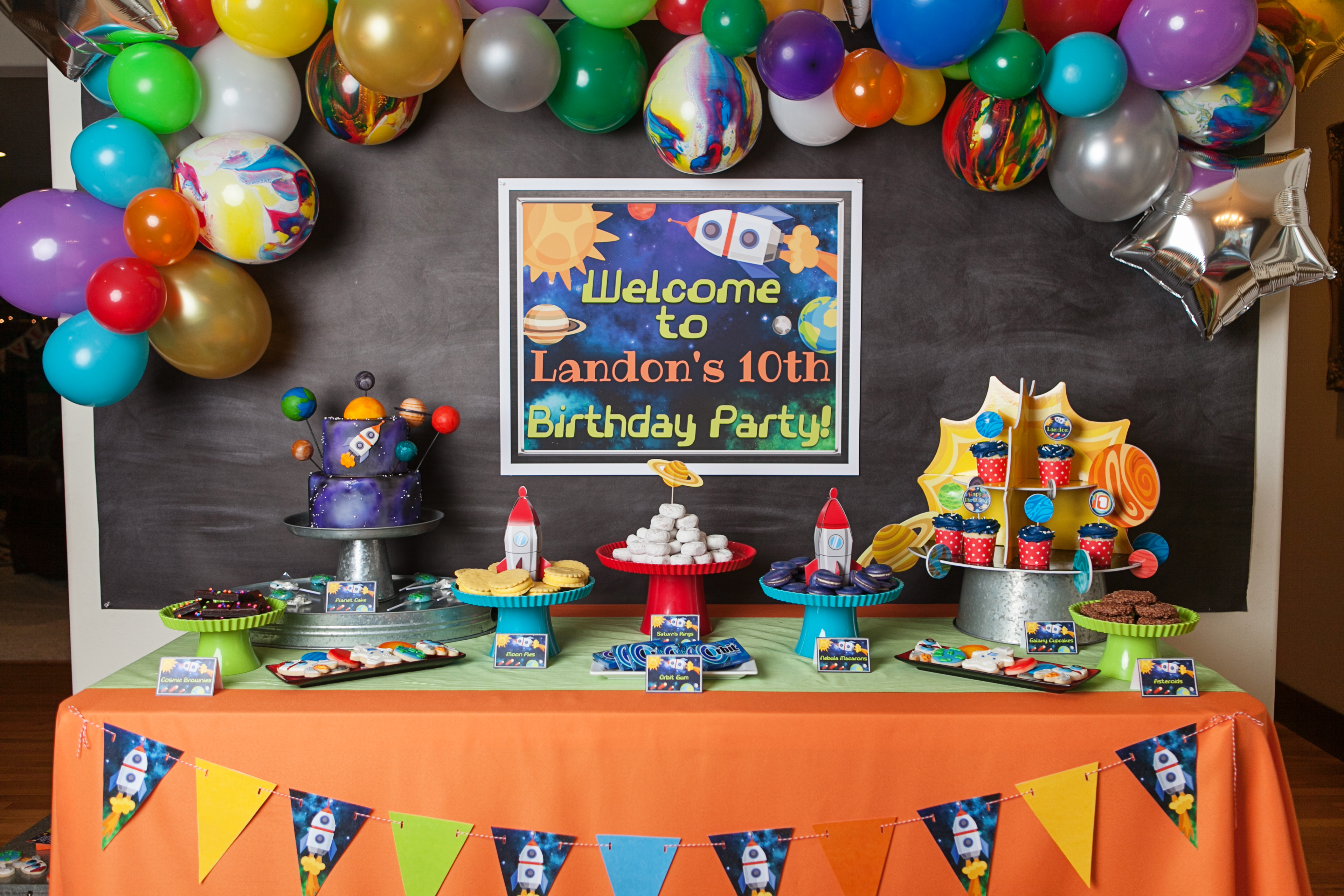 An Out-of-this-World Boy's Space Themed Birthday Party | Hoopla